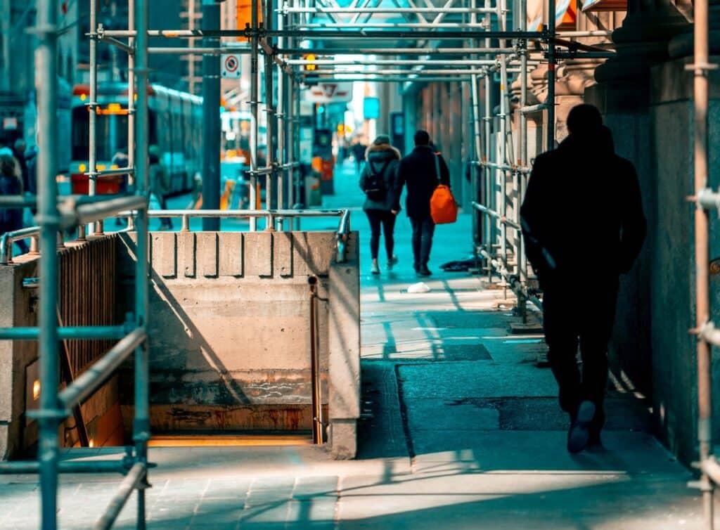 ανακαίνιση κτηρίου στο κέντρο μια πολης